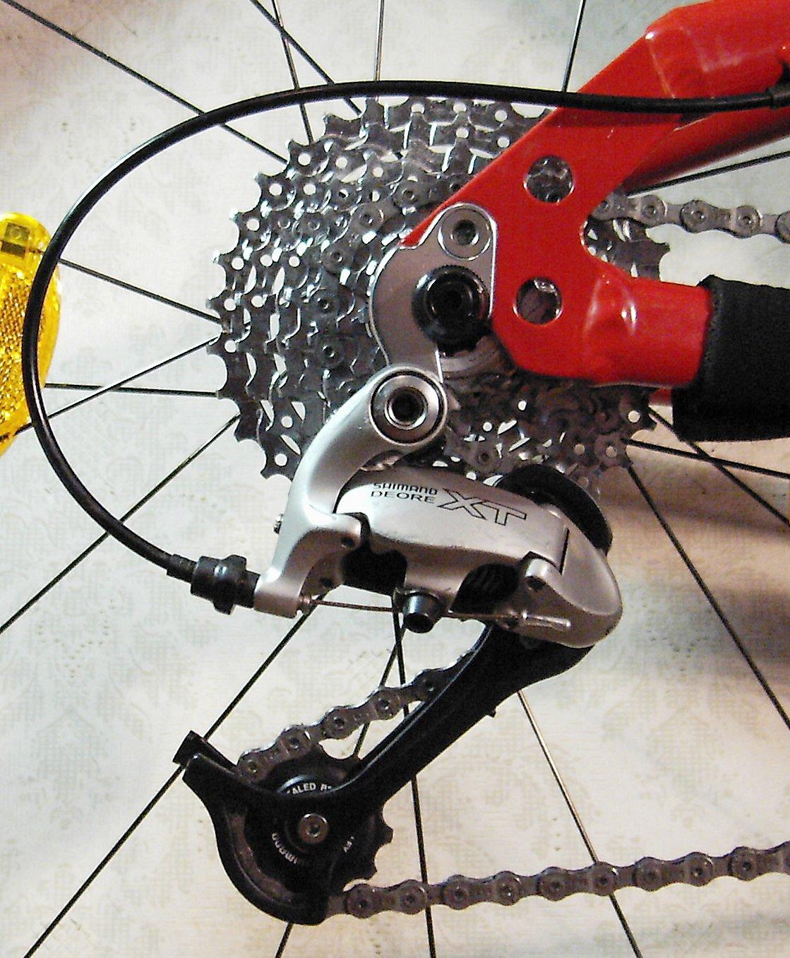 подробный почему на скорстном велосипее перескакивает скорость большинстве случаев